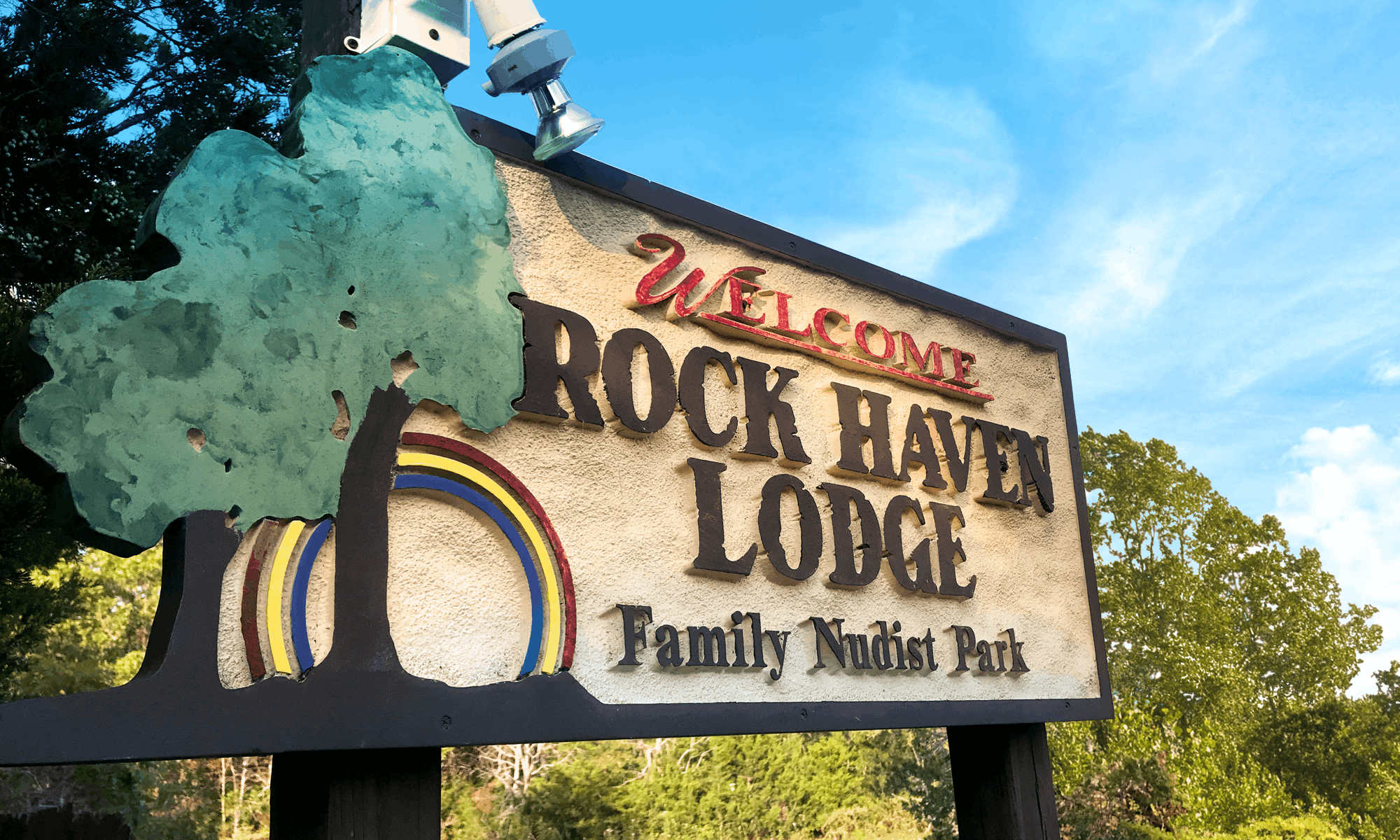 Rock Haven Lodge Welcome Sign